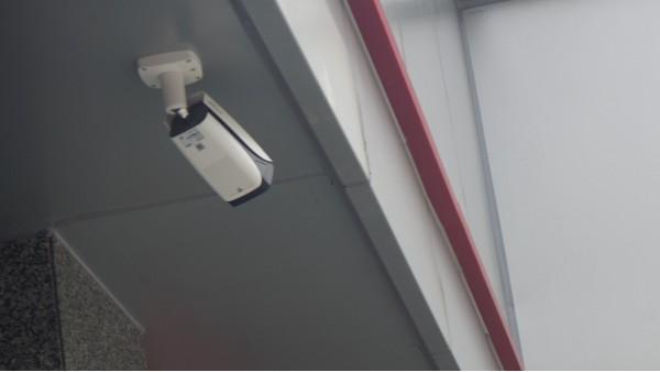 如何看待小区楼顶安装高清监控?