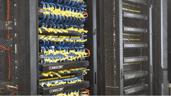 kvm如何在机房对服务器进行管理并远程控制?